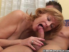 Granny gets her prudish pussy fucked bottomless gulf