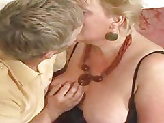 Broad golden haired granny drilled by youthful ladies'