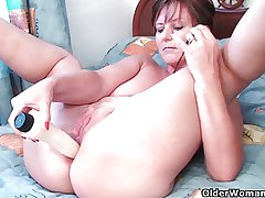 British grannies Joy coupled with Becky fancy anal play