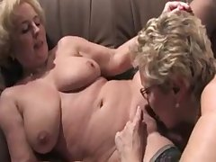 Sapphist grandmas from EpikGranny.com eating pussy