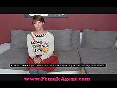 FemaleAgent Dim-witted beatnik tastes pussy