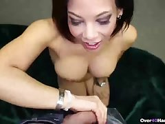 Super sexy mature ungentlemanly handjob