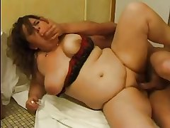 FRENCH MATURE n51 anal bbw mom with younger panhandler