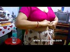 mature indian bhabhi changing regarding bedroom heavy boobs mere