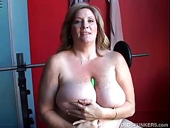 Mature BBW broad in the beam tits