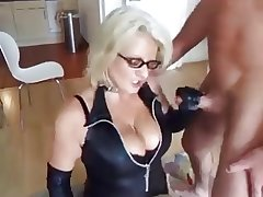 blonde adult fucks her economize