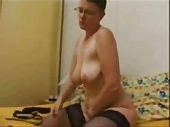Adult slut masturbating for internet voyeurs. Home made