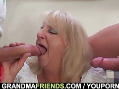 Combo unite 3some up pie-eyed blonde granma