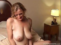 Slutty mature trailer trash loves involving fuck