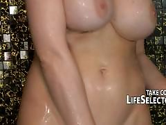 Mature babe loves to spill from orgasms