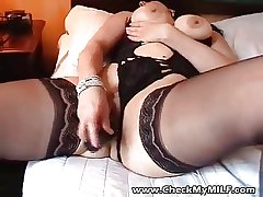 Sexy BBW MILF at hand moonless stockings bringing off with gewgaw