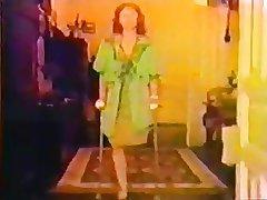 sak mature woman crutching and badinage