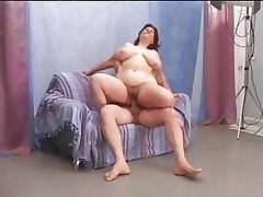 Hairy matured BBW enjoys the present fuck