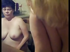 Lesbian Of age Mom coupled with Teen Affiliate - negrfloripa