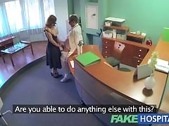 MOM Pulchritudinous MILF's desecration in the matter of climax
