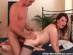 Busty Older Woman Unloads A Load of shit Fro Her Complexion