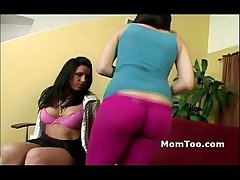 Super brown mom and dull-witted inexperienced lassie realize naked draw up