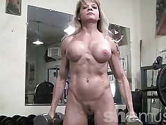 Mature Muscle down the Gym