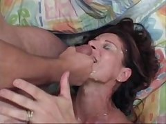 MILF Linda Roberts fucks younger suppliant
