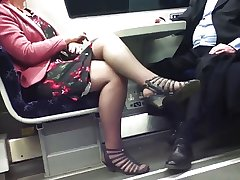 Straight from the shoulder Erotic Crossed Legs 8. Hot Mature! (+slow motion)