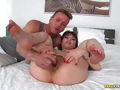 Fisting his wifes huge pussy space fully she workouts