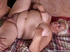Big beautiful blonde BBW gets bleeding at hand cum