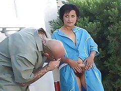 Horny mature opening her Victorian pussy for fucking